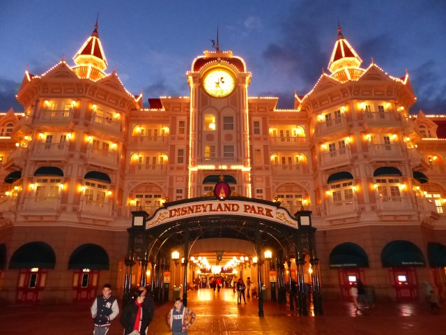 TR super séjour Saison du Printemps à Disneyland Paris - Sequoia Lodge (GFC) - du 13/05/14 au 16/05/14 [Saison 4 en cours - Episode 2 & 3 postés le 14/10/2014 !]   - Page 5 P1030062