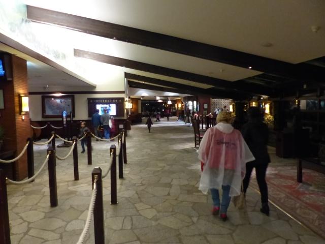 TR super séjour Saison du Printemps à Disneyland Paris - Sequoia Lodge (GFC) - du 13/05/14 au 16/05/14 [Saison 4 en cours - Episode 2 & 3 postés le 14/10/2014 !]   - Page 5 P1030068