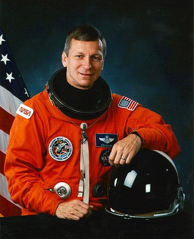 Décès de l'astronaute Steven Nagel. Nagel10