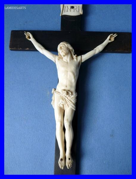 Crucifix Crucif10