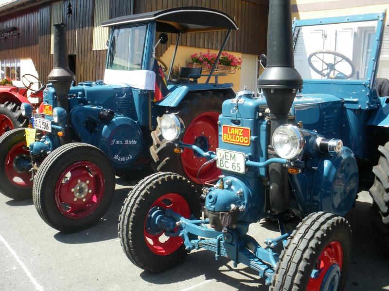 quelques vieux tracteurs LANZ BULLDOG lors d'une brocante à Zilling 2014-021