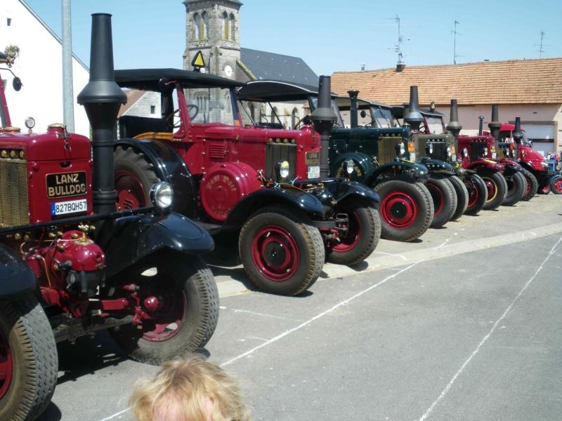 quelques vieux tracteurs LANZ BULLDOG lors d'une brocante à Zilling 2014-025