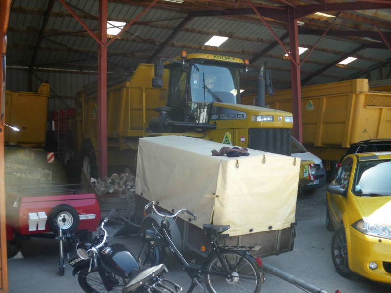 quelques vieux tracteurs LANZ BULLDOG lors d'une brocante à Zilling 2014-026
