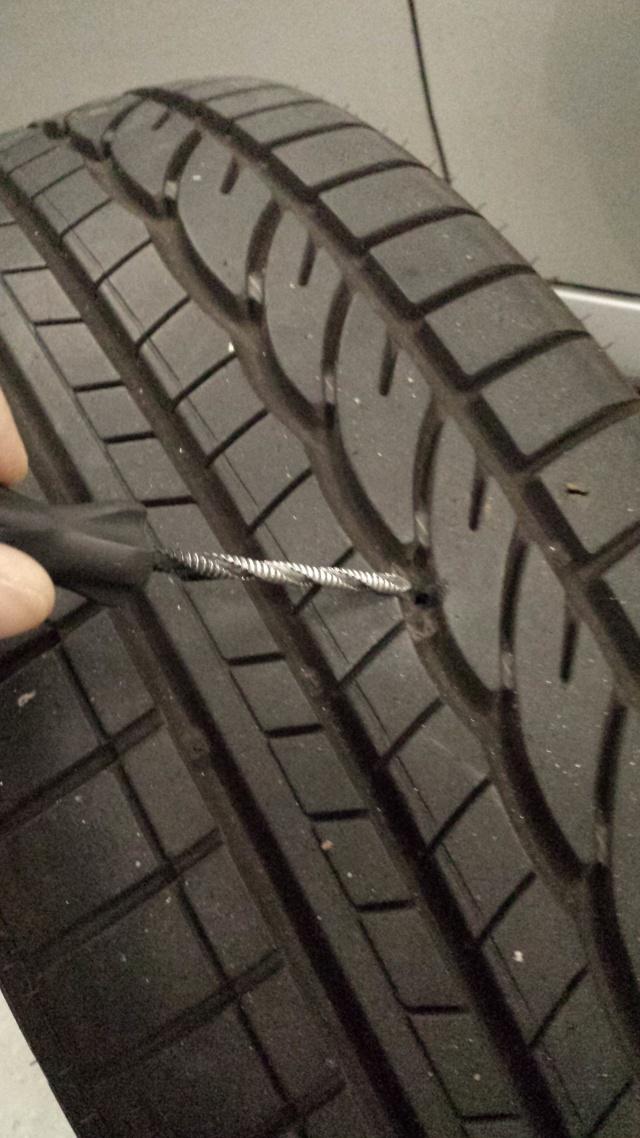 [Tuto] Réparation pneu à l'aide d'une mèche 20140716