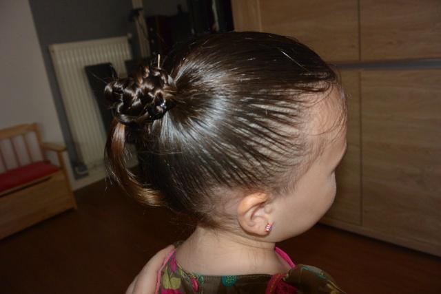 Les coiffures de fille - Page 2 Coiffu16