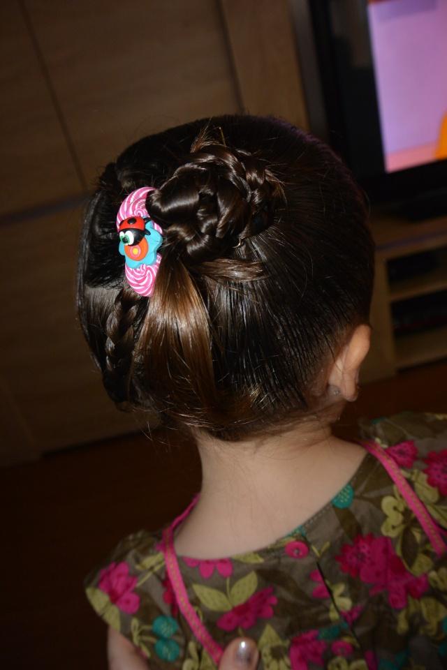 Les coiffures de fille - Page 2 Coiffu17