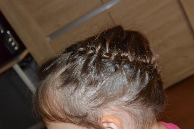 Les coiffures de fille - Page 2 Coiffu18