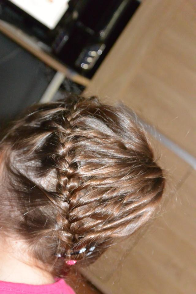 Les coiffures de fille - Page 2 Coiffu19