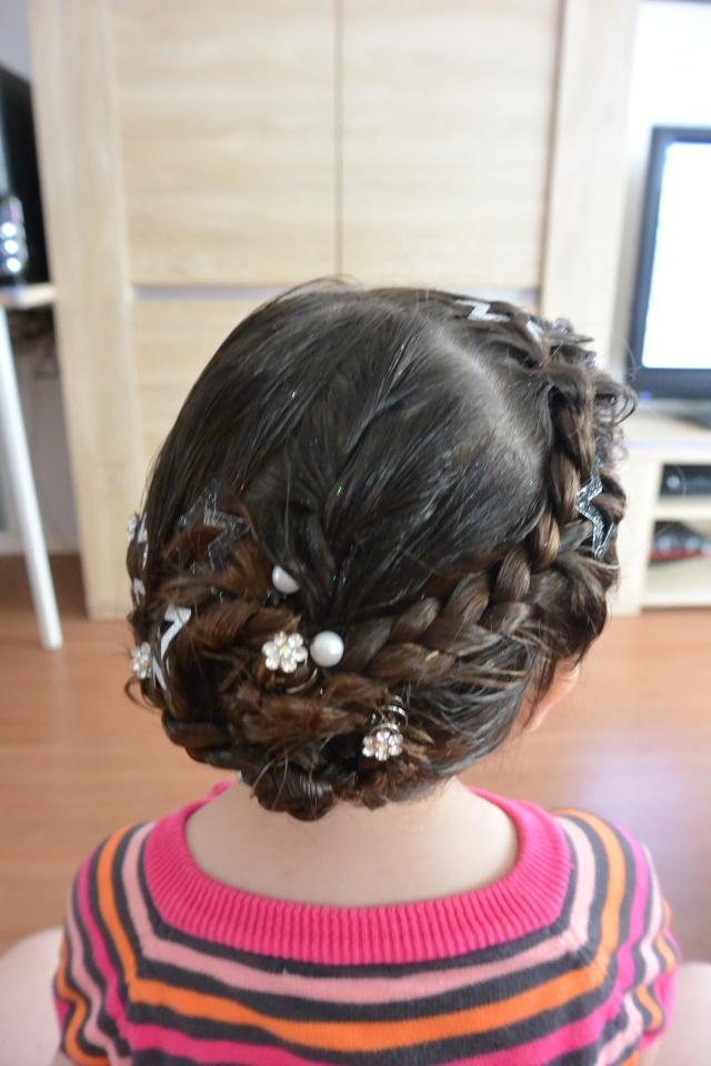 Les coiffures de fille - Page 2 Coiffu20