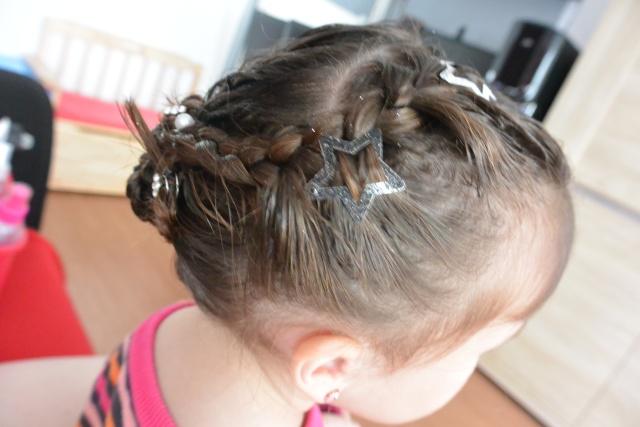 Les coiffures de fille - Page 2 Coiffu22