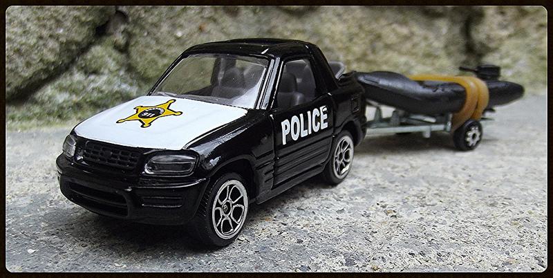 N°343A Toyota RAV4 POLICE + Zodiac  15164010