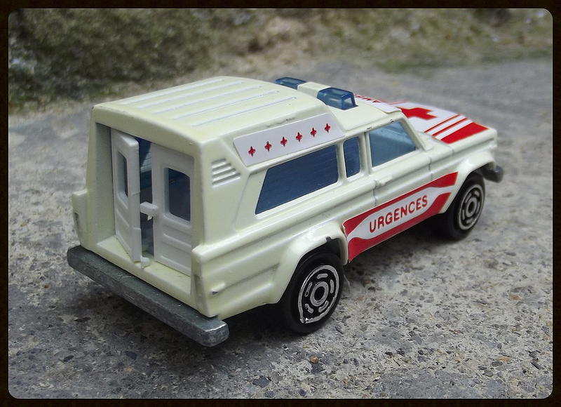 N°269 JEEP CHEROKEE AMBULANCE 15164211
