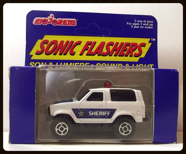 N°2302 FORD BRONCO SHERIFF 15179710