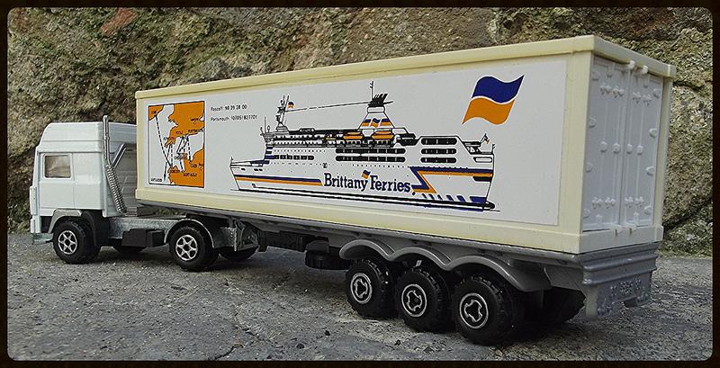 N°3055 Volvo Porte Container. 15182111
