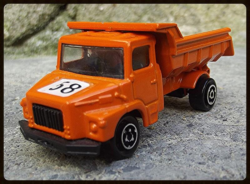 N°205 Scania Benne carrière 15182511