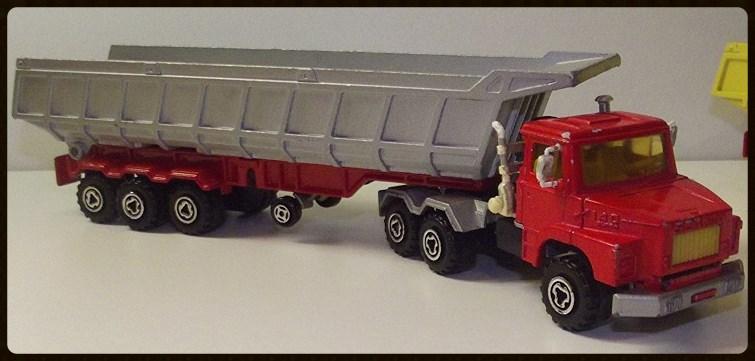 N°3063 Scania Benne Carrière. 15196210