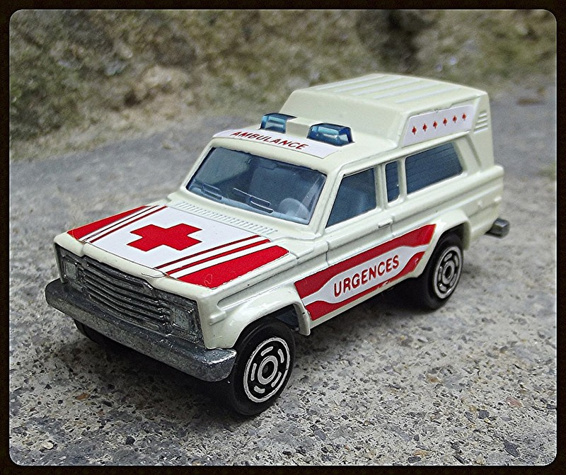 N°269 JEEP CHEROKEE AMBULANCE 15327710