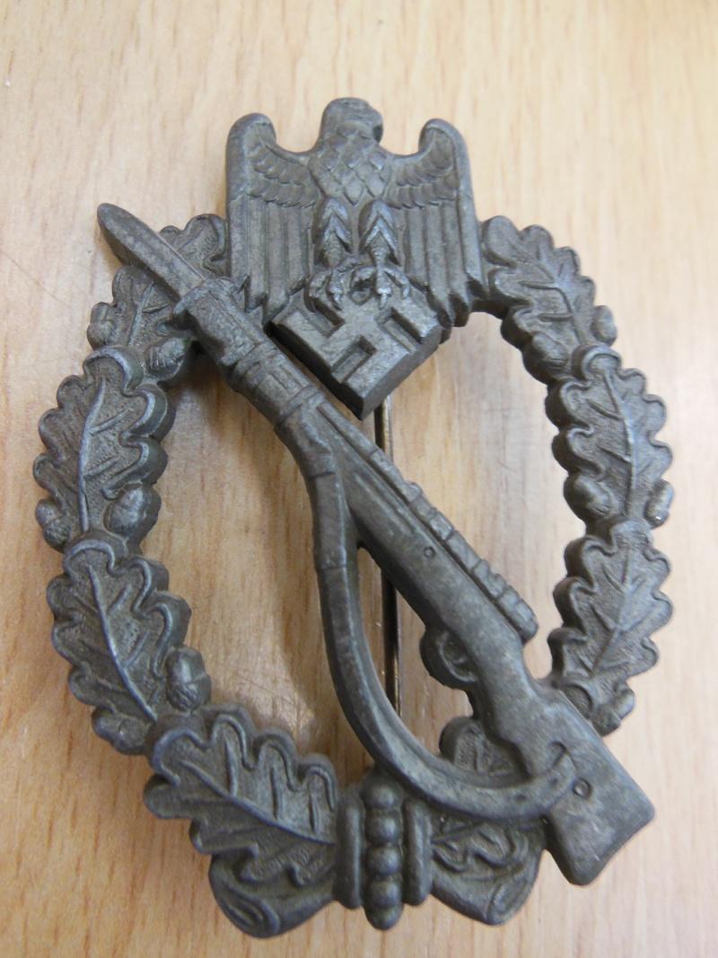 Insigne d'assault infanterie bronze FB&L dans sa boite Dscn7124