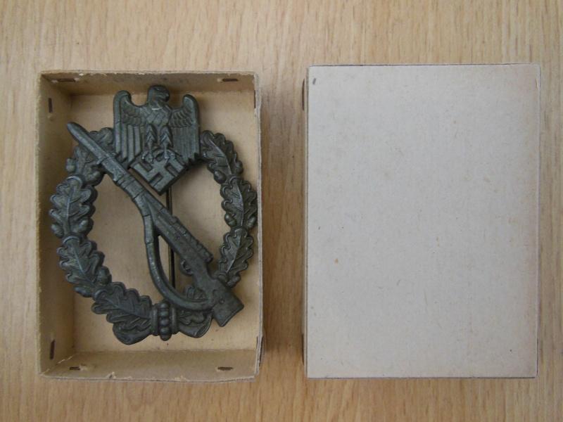 Insigne d'assault infanterie bronze FB&L dans sa boite Dscn7127