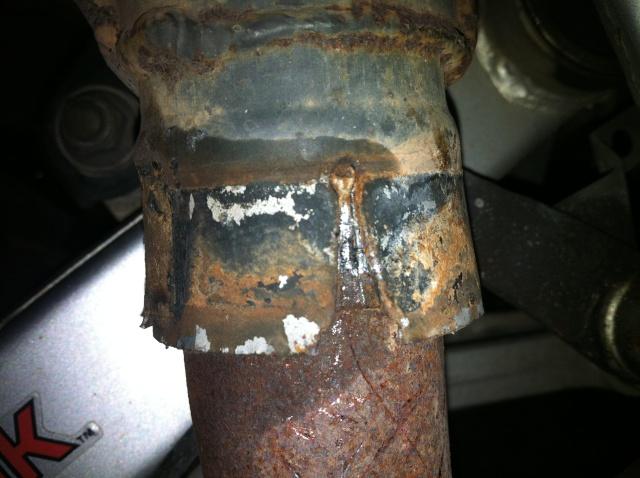 Démontage coude d'échappement cylindre arrière Pot310