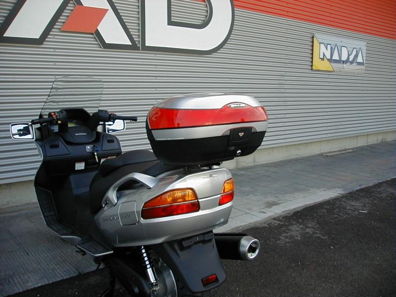 Pictures Suzuki Burgman with SHAD Motorcases 09060012