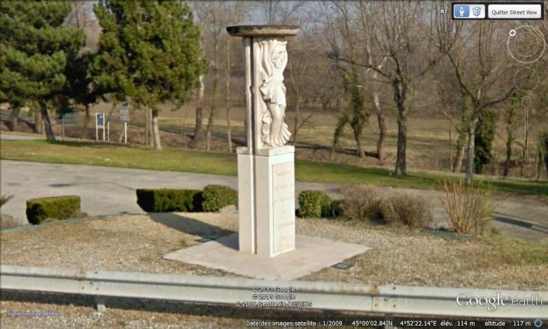 - Les monuments et panneaux dédiés au 45ème parallèle nord 45ame_10