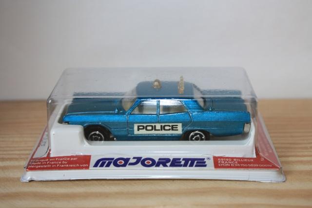 N°216 PLYMOUTH FURY POLICE Nc216_16