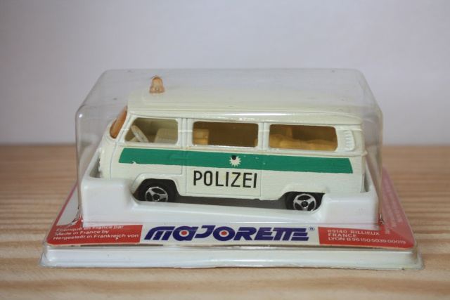 N°244 Volkswagen Fourgon VITRÉ Nc226_14