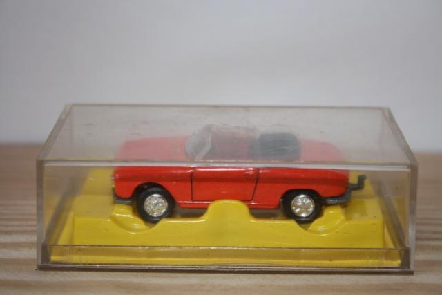 N°230 Peugeot 204 cabriolet Nc230_15