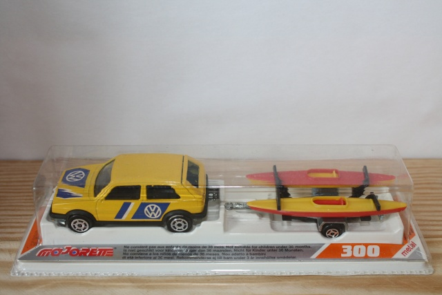 N°317 Volkswagen Golf II + Canoes Nc317_18