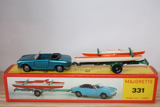 N°331 Peugeot 204 + Canoes Nc331_10