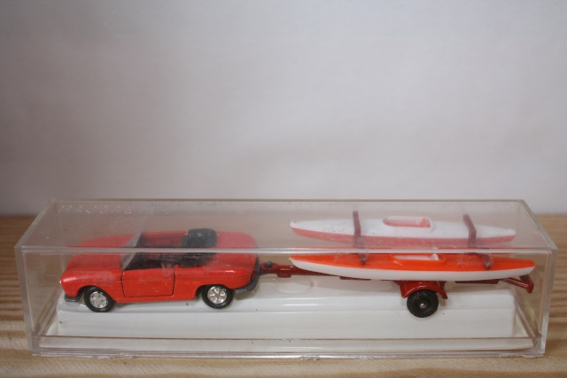 N°331 Peugeot 204 + Canoes Nc331_11