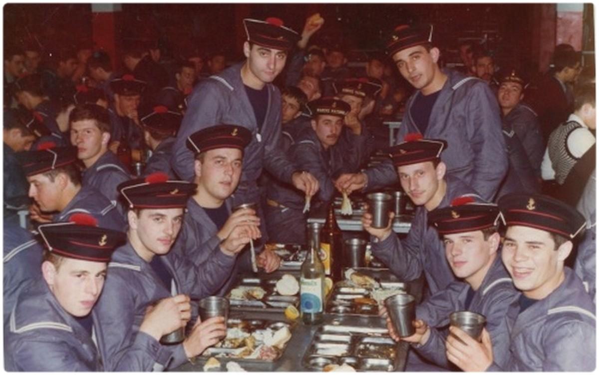 [Recherche de camarades] Recherche camarades HOURTIN 1974 0161