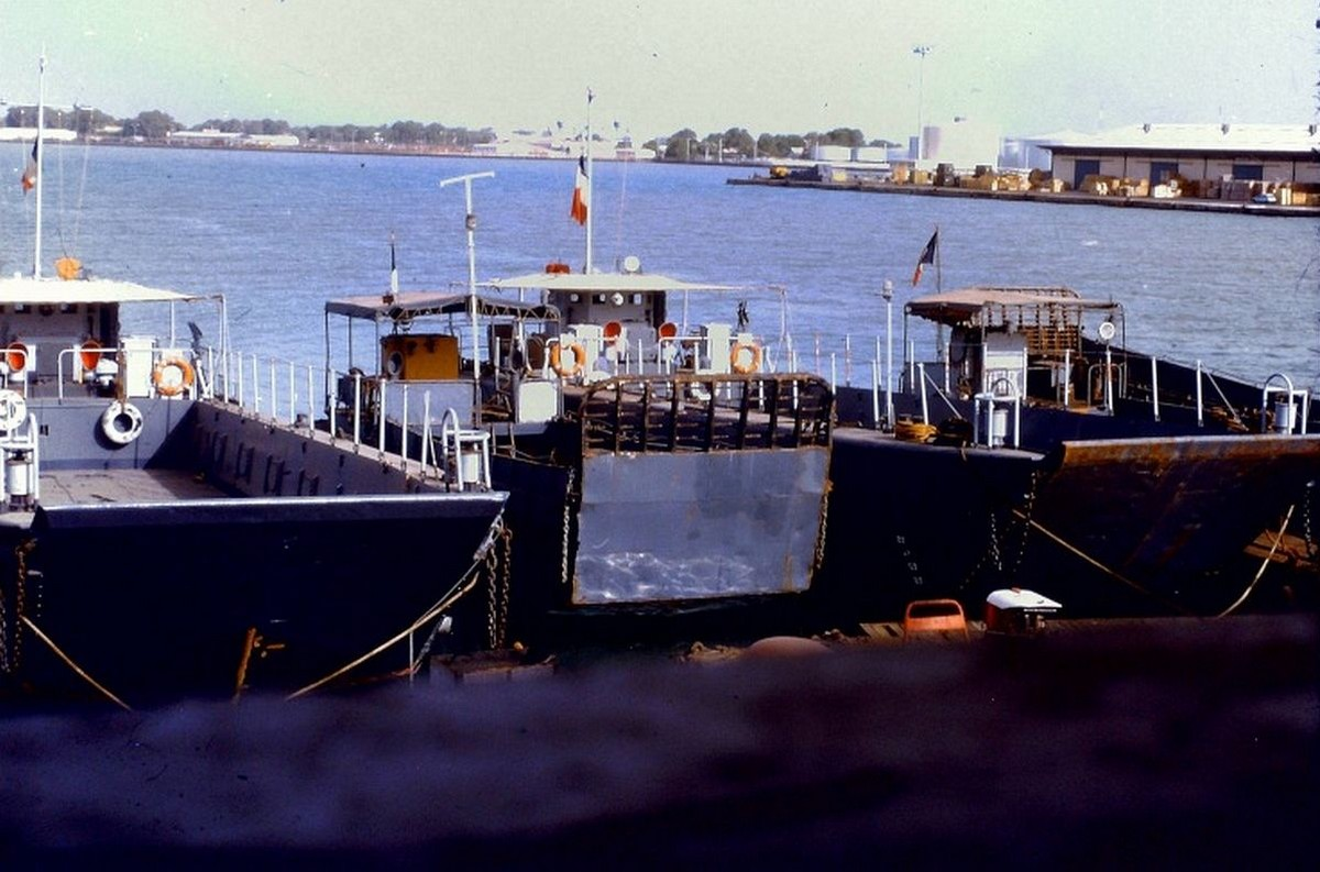 LCM 24 en 1951.  362