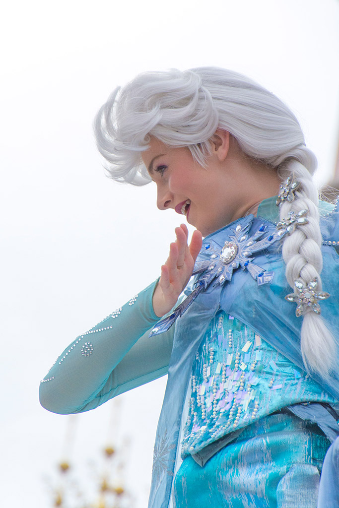 La reine des neiges à Disneyland Paris  - Page 2 09-aou12