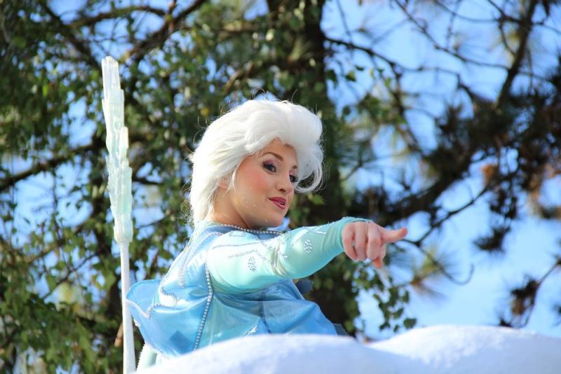 Vos photos avec les Personnages Disney - Page 4 Img_0711