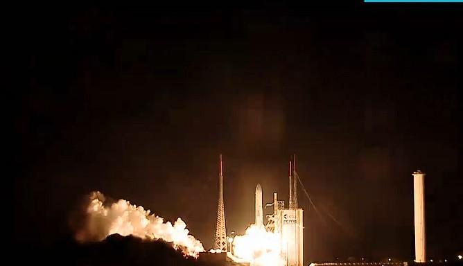 Lancement Ariane 5 VA220 / ISDLA-1 & ARSAT-1 / 16 octobre 2014 - Page 2 Sans_t35
