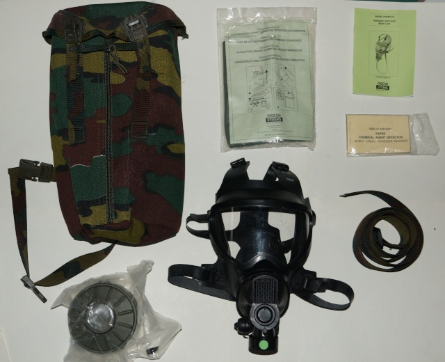 Belgian army Gas Mask Dsc01817