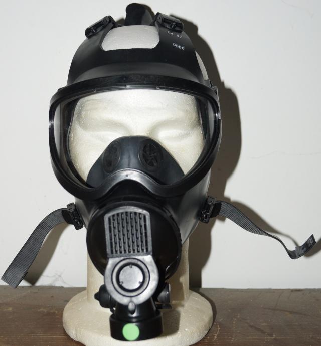 Belgian army Gas Mask Dsc01821