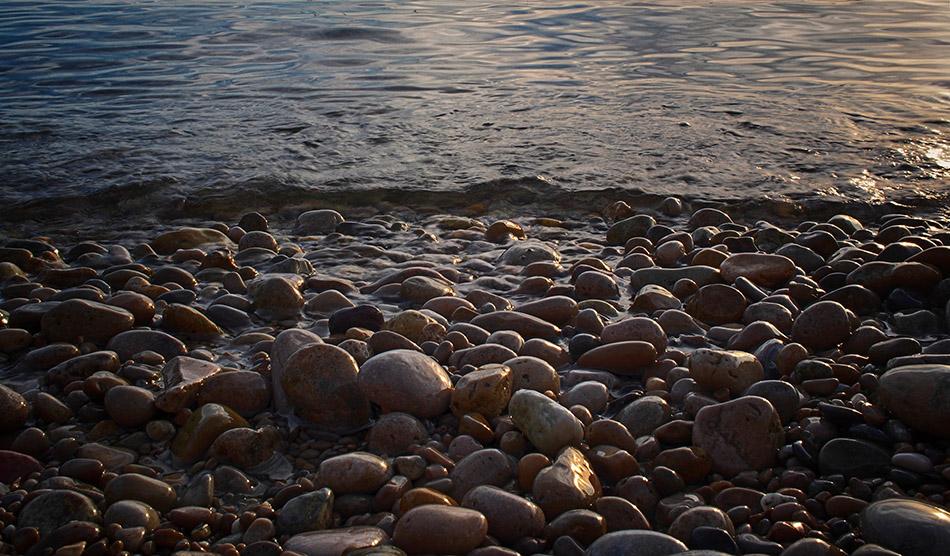 Cap d'Antibes : les galets  + ajout recadrage  P7020011