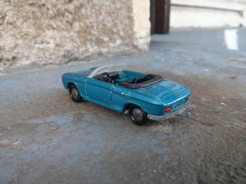 N°230 Peugeot 204 cabriolet Img_2346