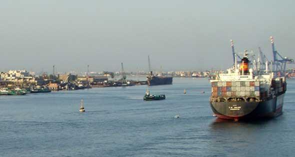 قناة السويس الجديدة قاطرة التنمية والاقتصاد  في مصر . 2014-611