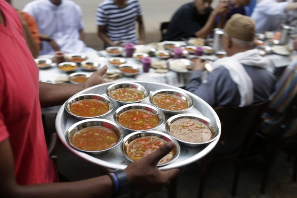 مائدة الرحمن فى شهر رمضان.! 515