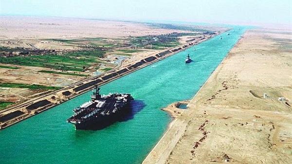 قناة السويس الجديدة قاطرة التنمية والاقتصاد  في مصر . 7910