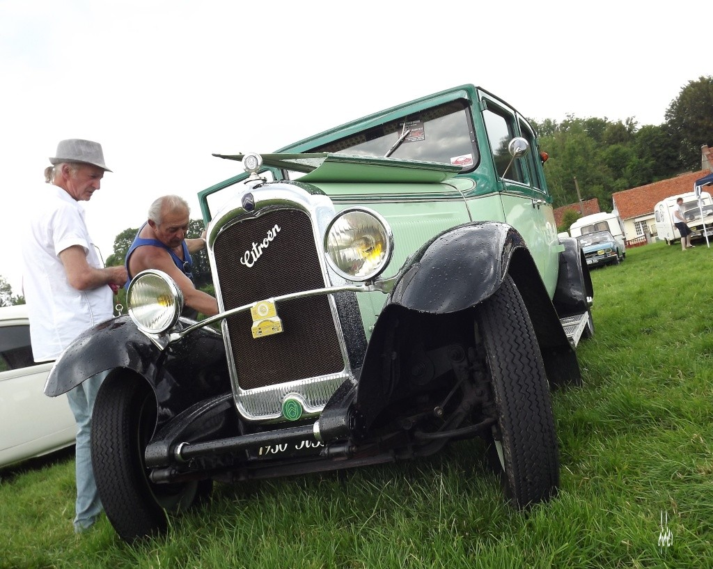 Photos 2ème rassemblement de voitures anciennes - Willeman - Page 2 Dscf1716