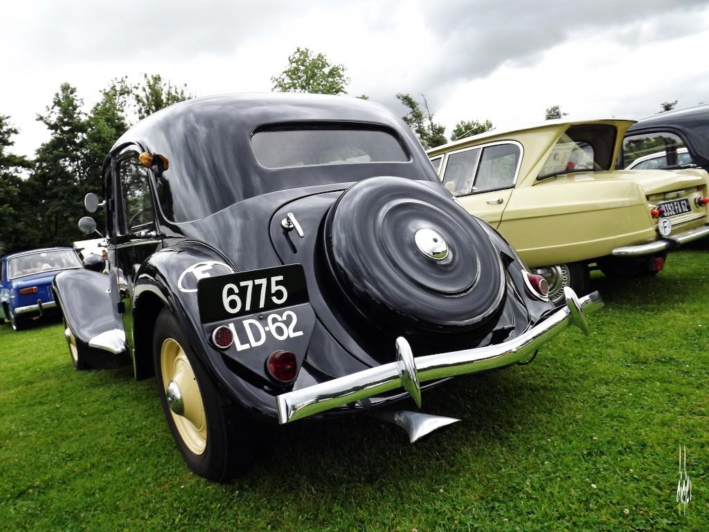 Photos rassemblement de voitures anciennes - Pernois (80) Dscf2712