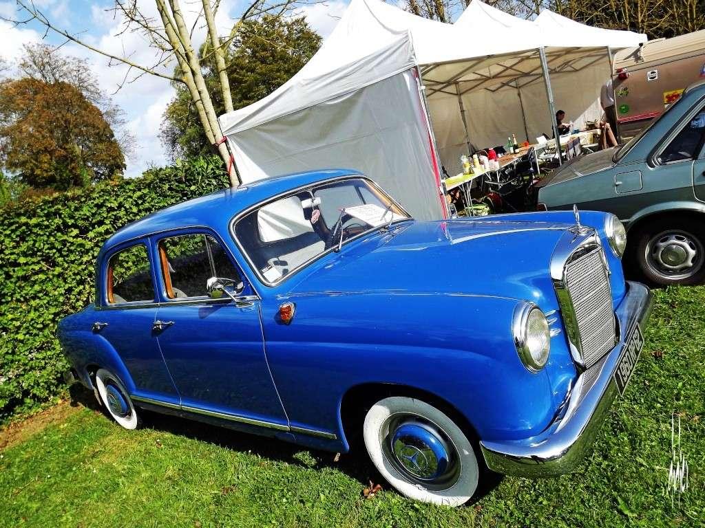 Photos rassemblement voitures anciennes - Doullens (80) Dscf5110
