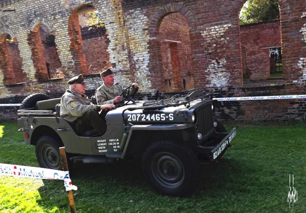 Photos rassemblement voitures anciennes - Doullens (80) Dscf5111