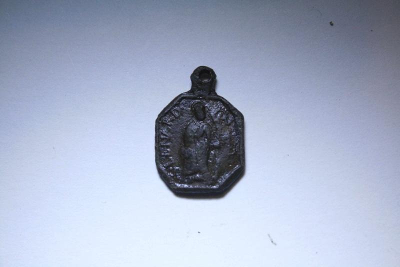 Médaille XVIIème - Ste-Famille & St-Leowald typique de Belgique et Nord de la France Img_2248