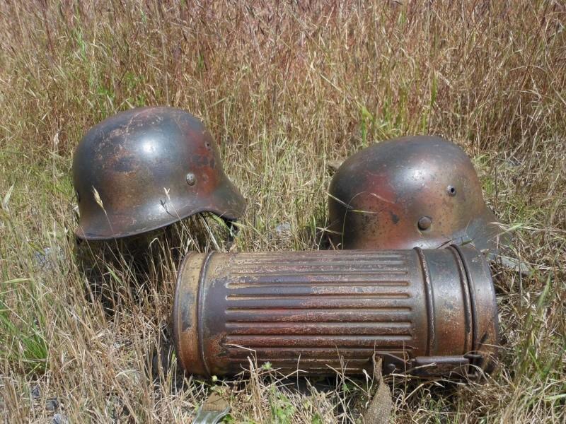 Deux casques et un boitier au meme camouflage. Dscn0101